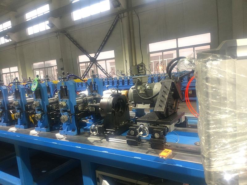 GGD低压柜型材冷弯成型